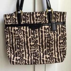 Cute Coach print bag